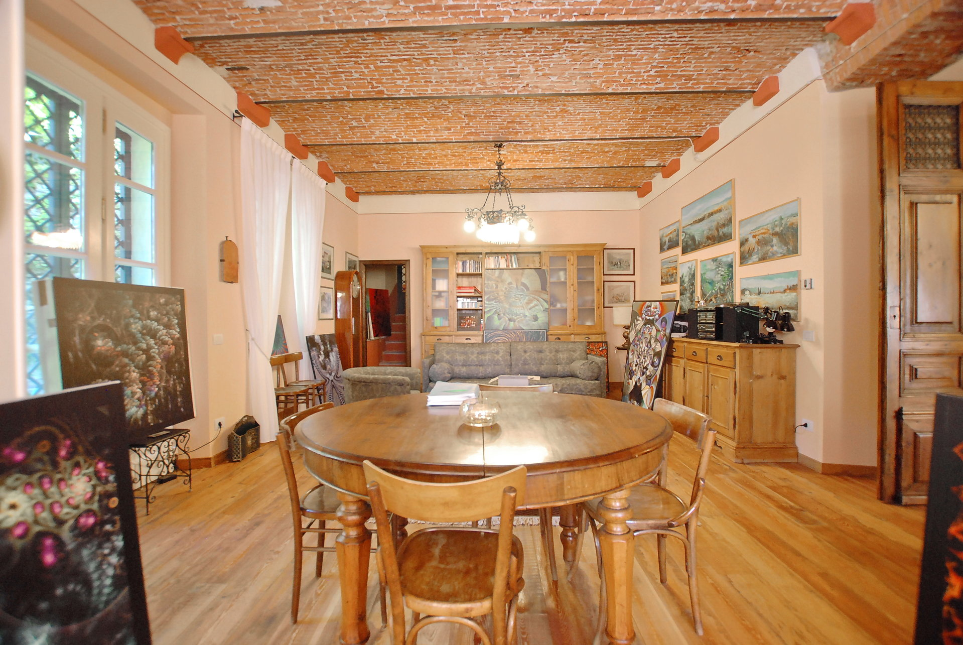 Historic villa with guesthouse and land for sale in Verbania - dining room