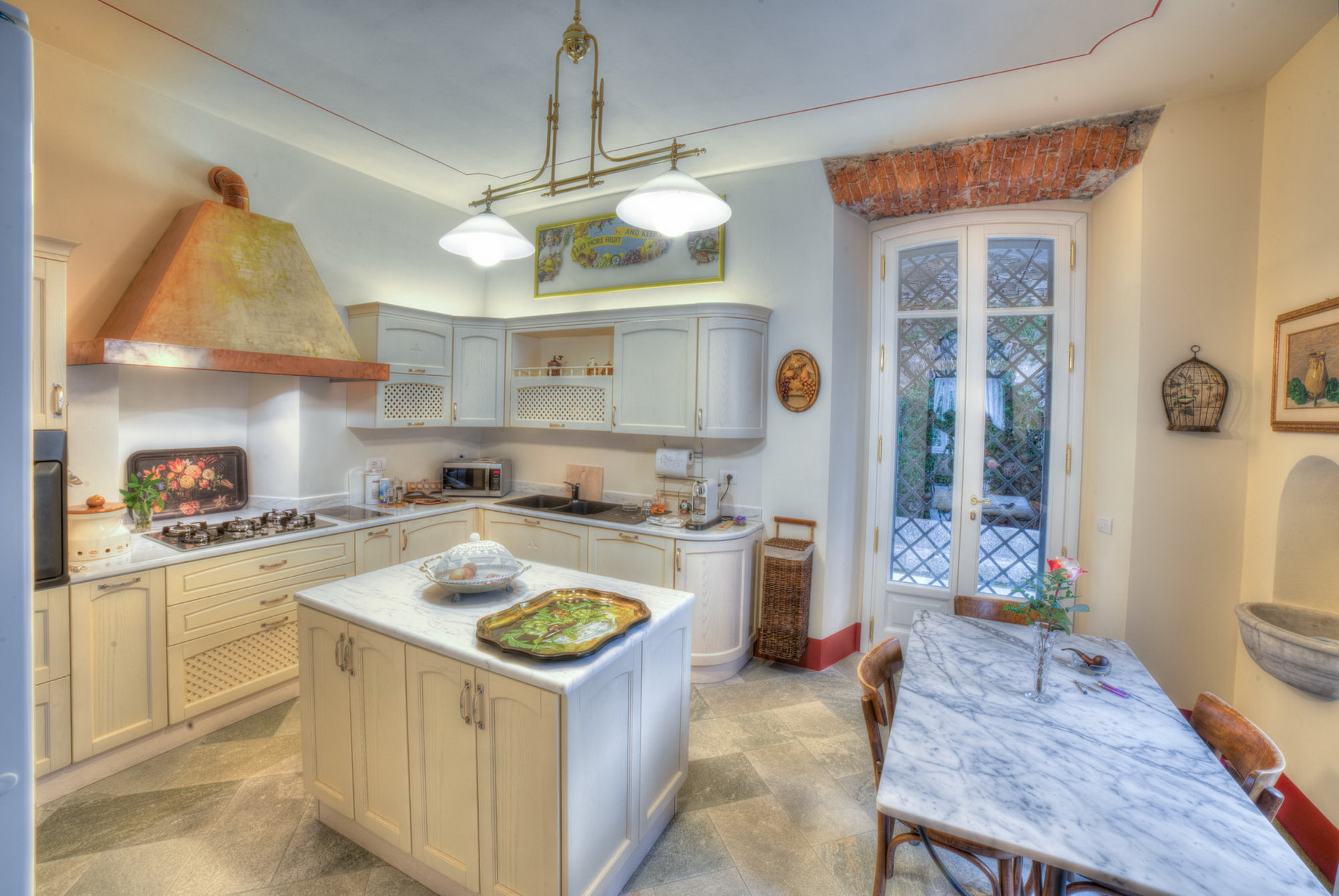 Historic villa with guesthouse and land for sale in Verbania - kitchen