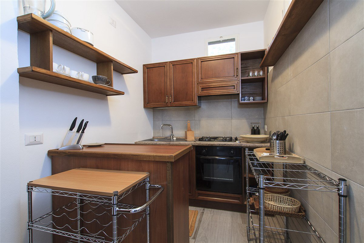 Lake view villa for sale in Arona - kitchenette