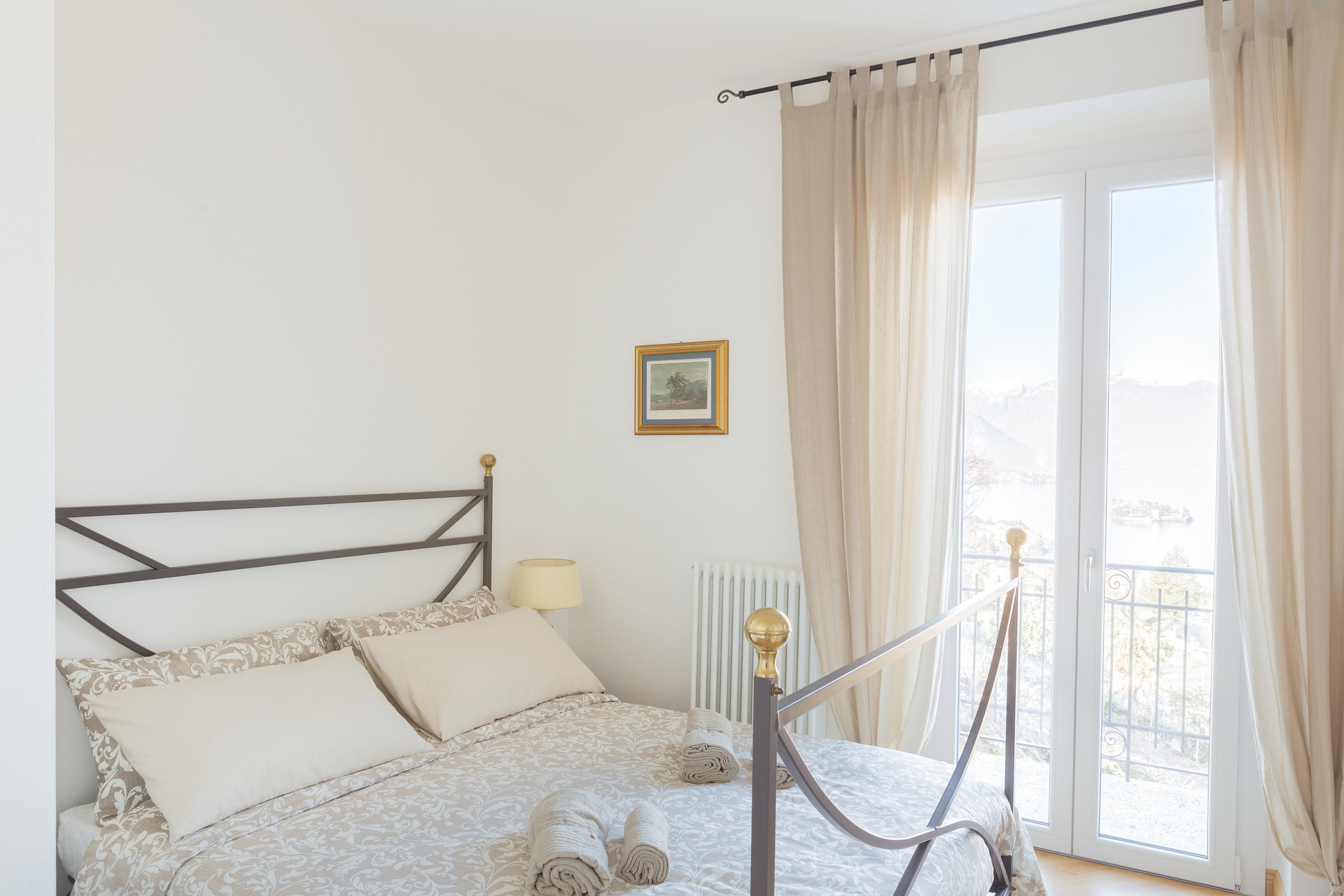 Furnished apartment for sale in Stresa - bedroom