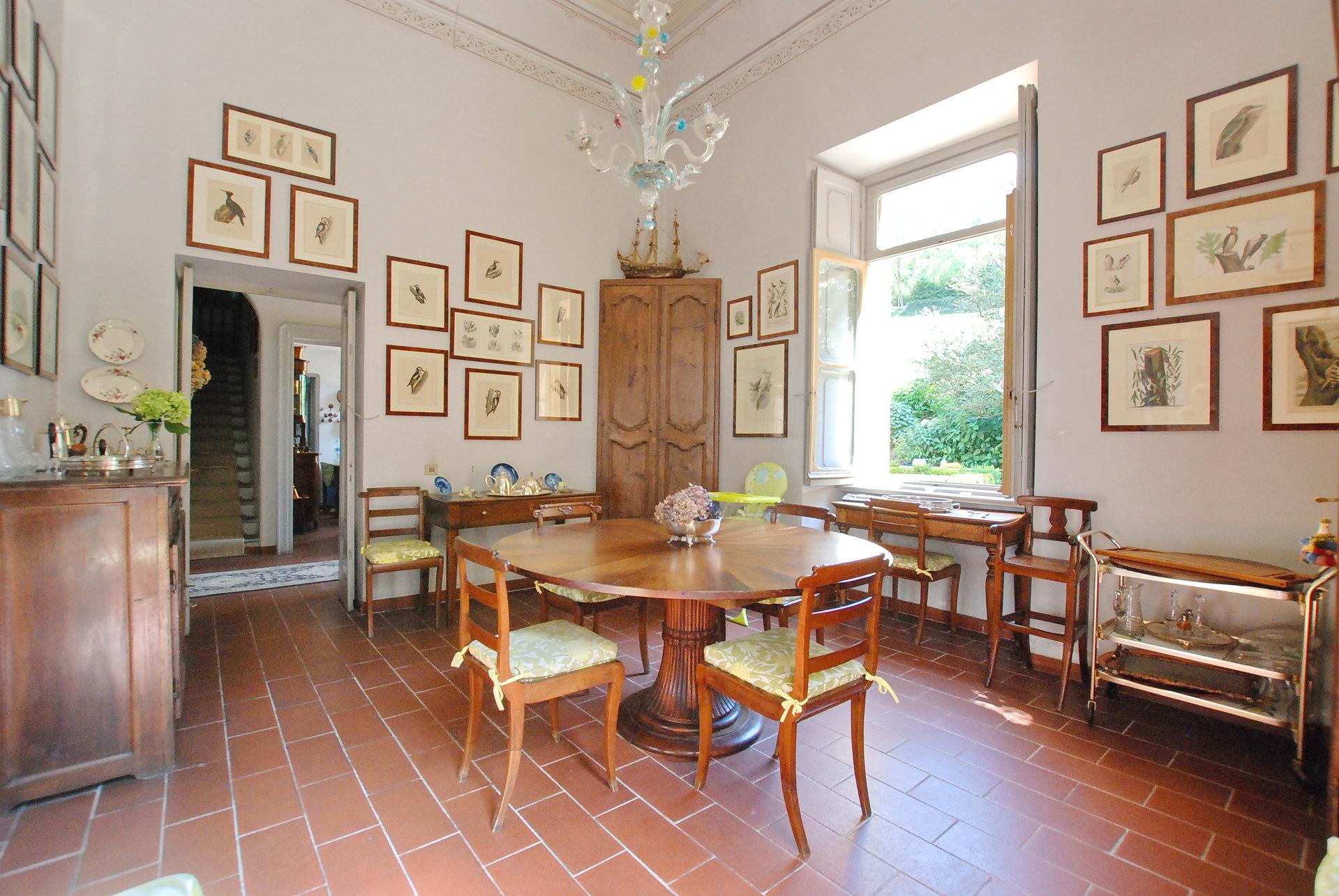 Renommierte Villa mit Park am Ortasee