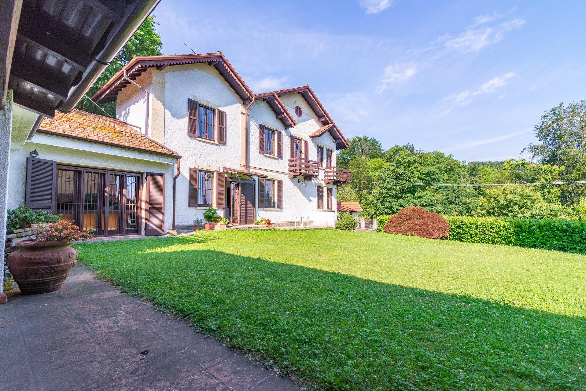 Landhaus zu verkaufen in Stresa