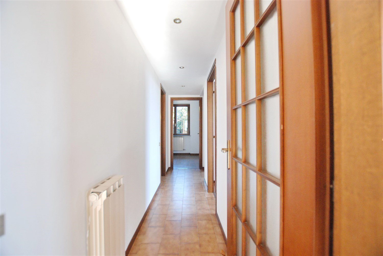Apartment for sale in Belgirate - hallway