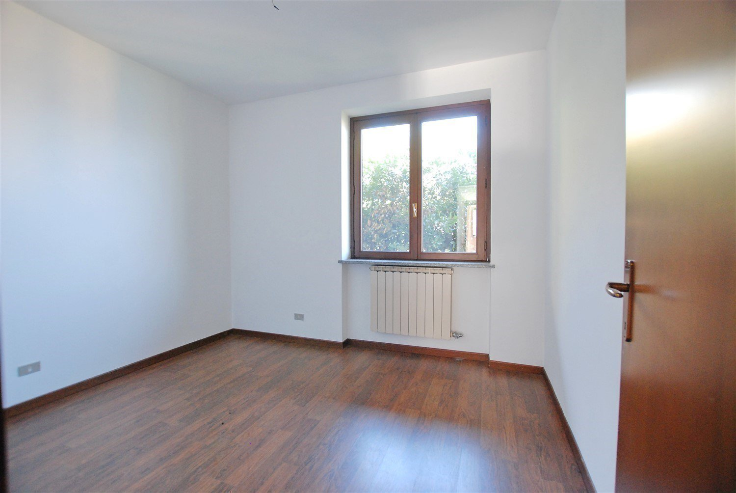 Apartment for sale in Belgirate - chamber