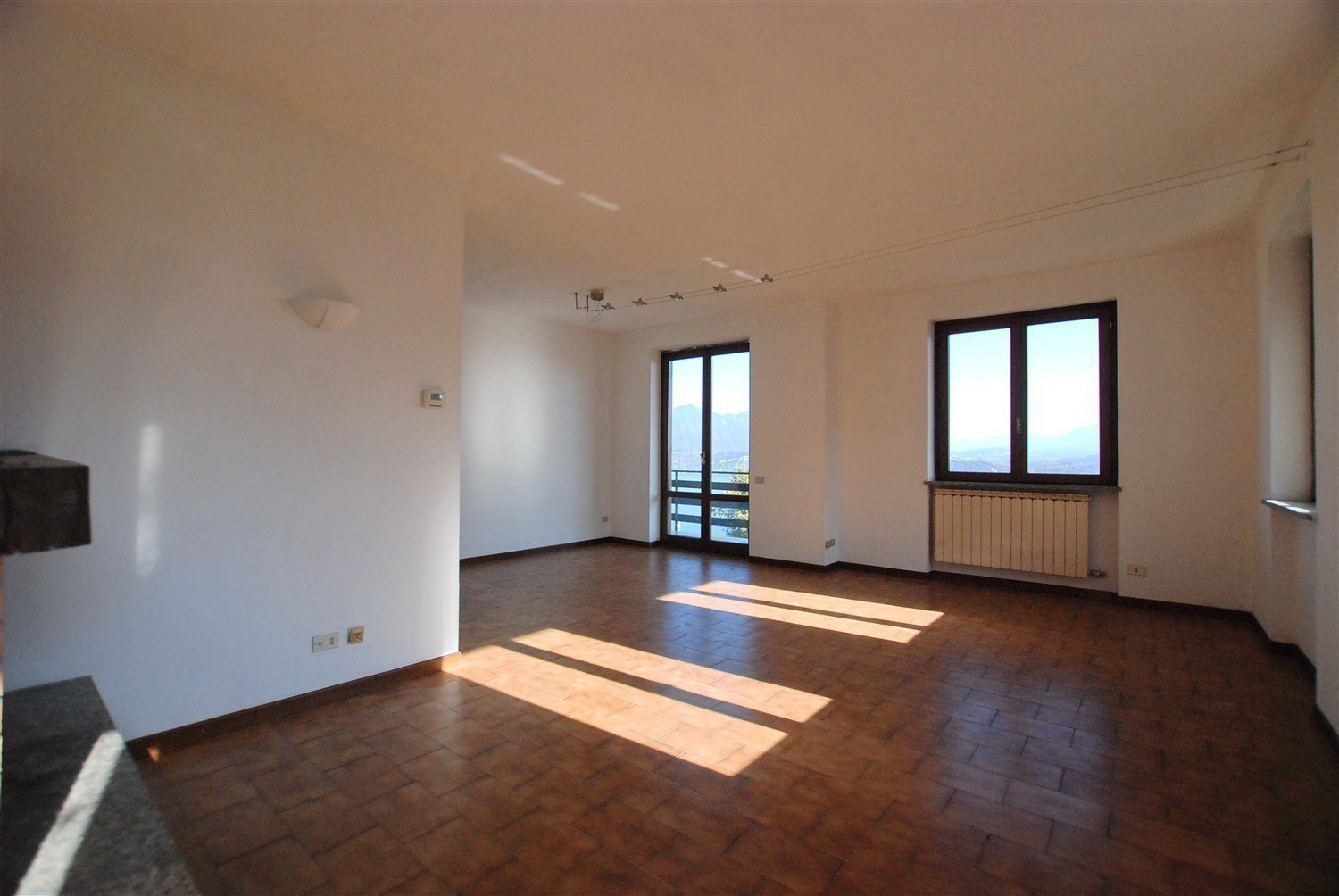 Apartment for sale in Belgirate - salon