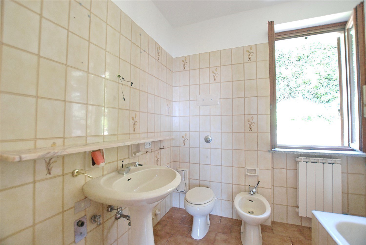 Apartment for sale in Belgirate - bathroom