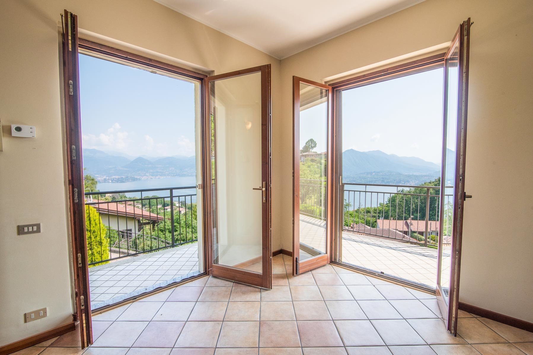 Apartment for sale on the hill of Stresa