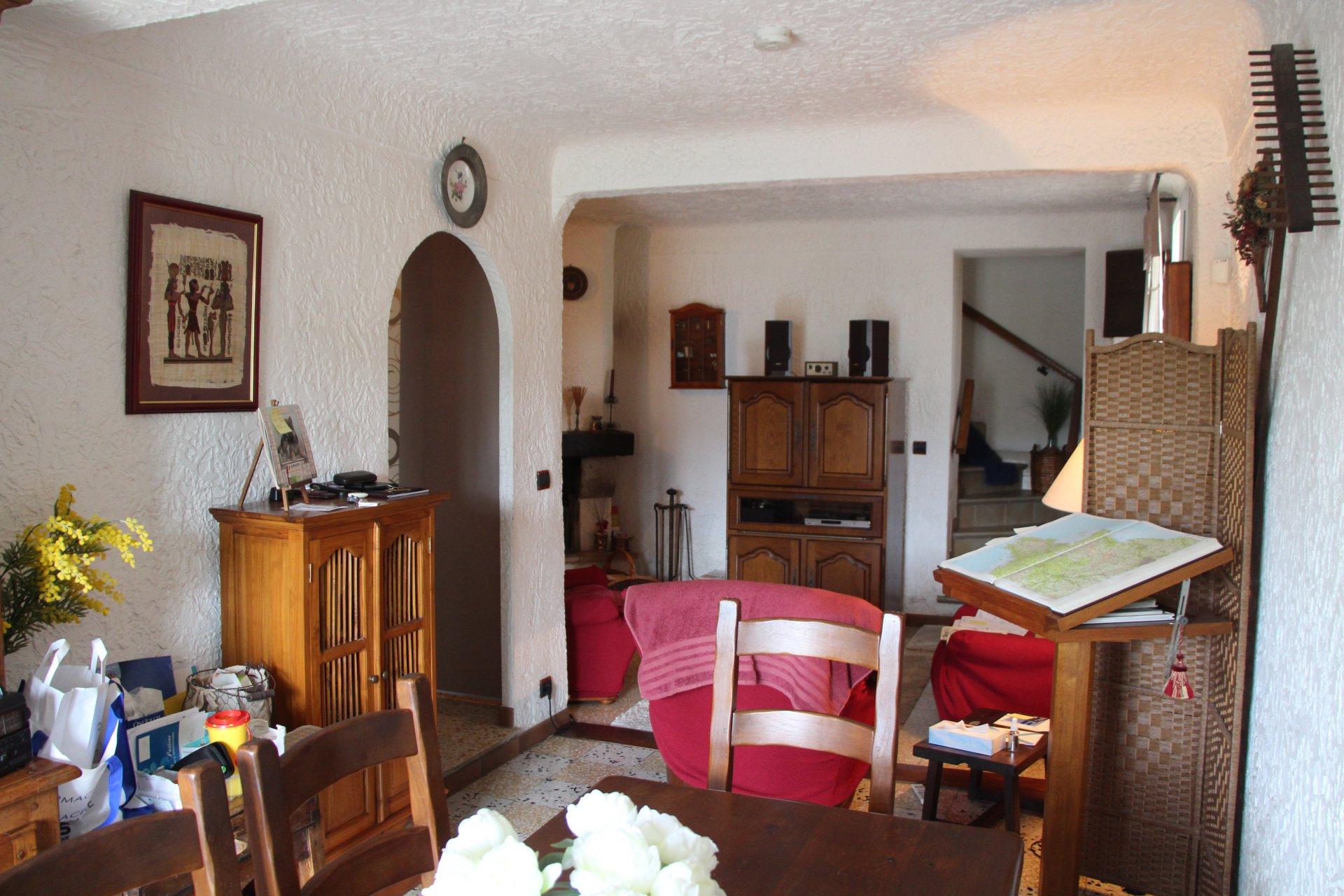 Sale House - Saint-André-de-la-Roche