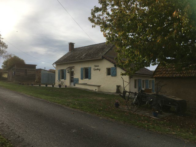Coquette maison de campagne à vendre en Bourgogne