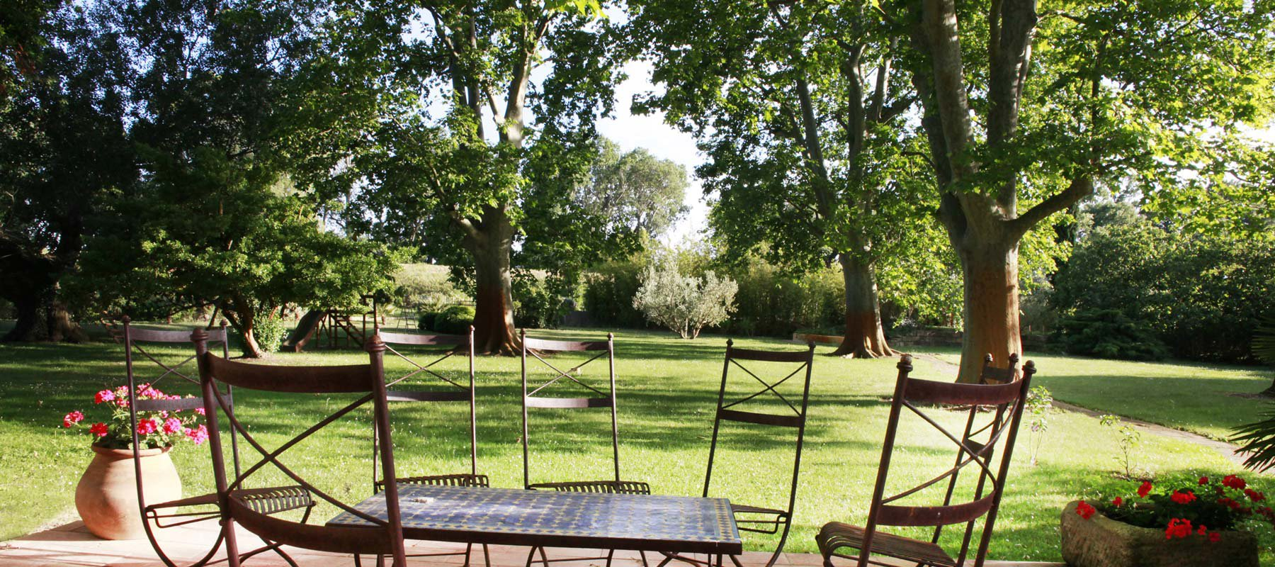 Country estate for sale close to Arles