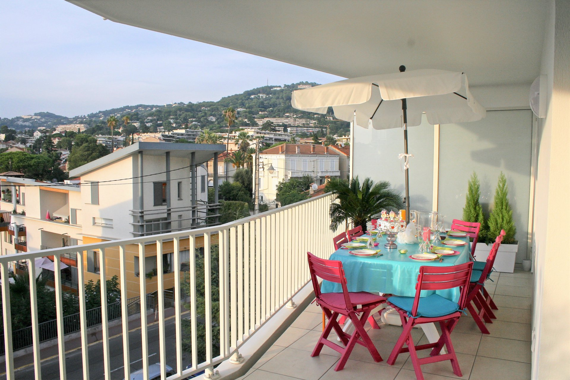 Cannes Center - 1 bedroom apt 47sqm - large terrace - nice open view