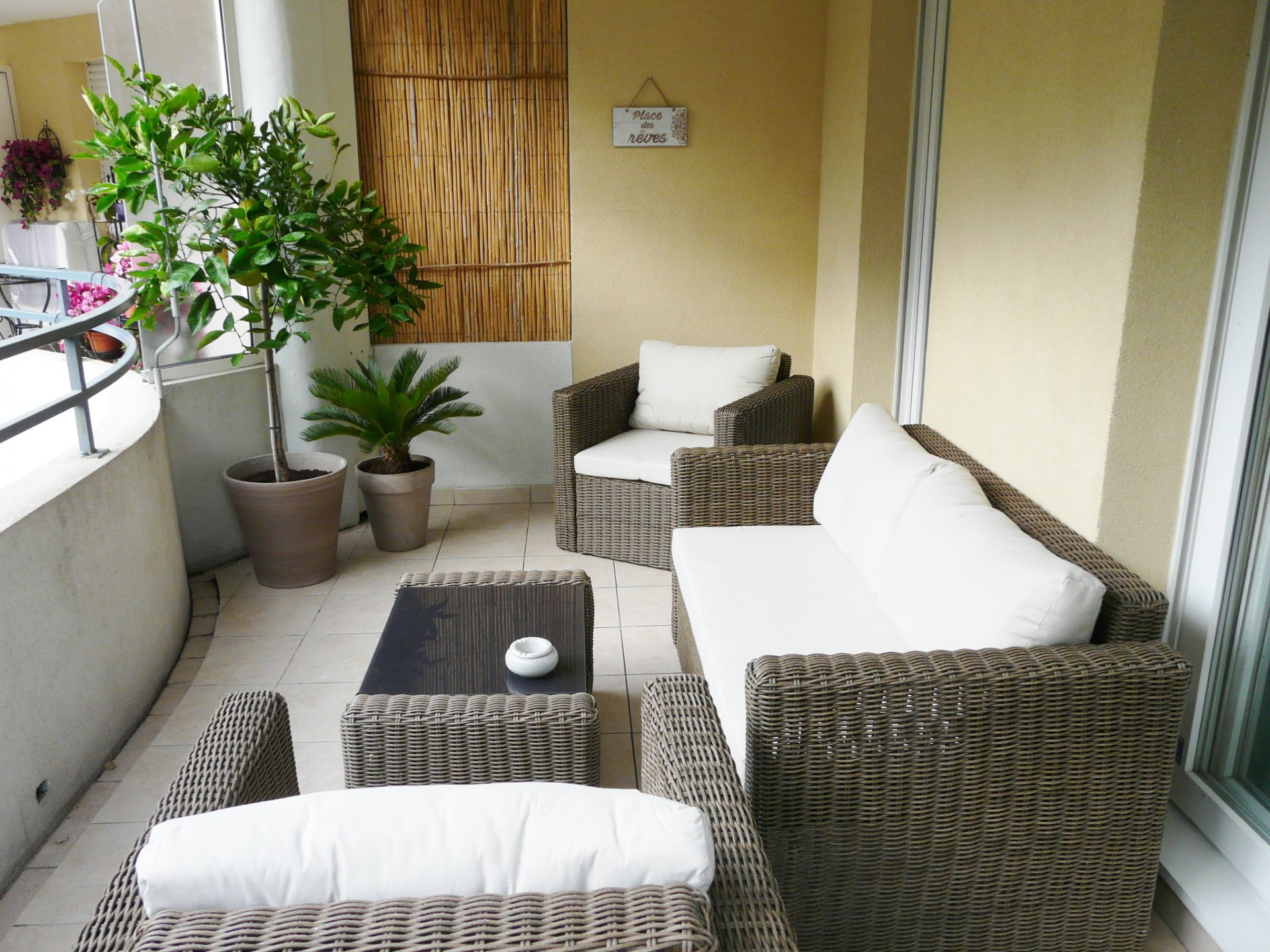 BEAUTIFUL FURNISHED APARTMENT RENOVATED