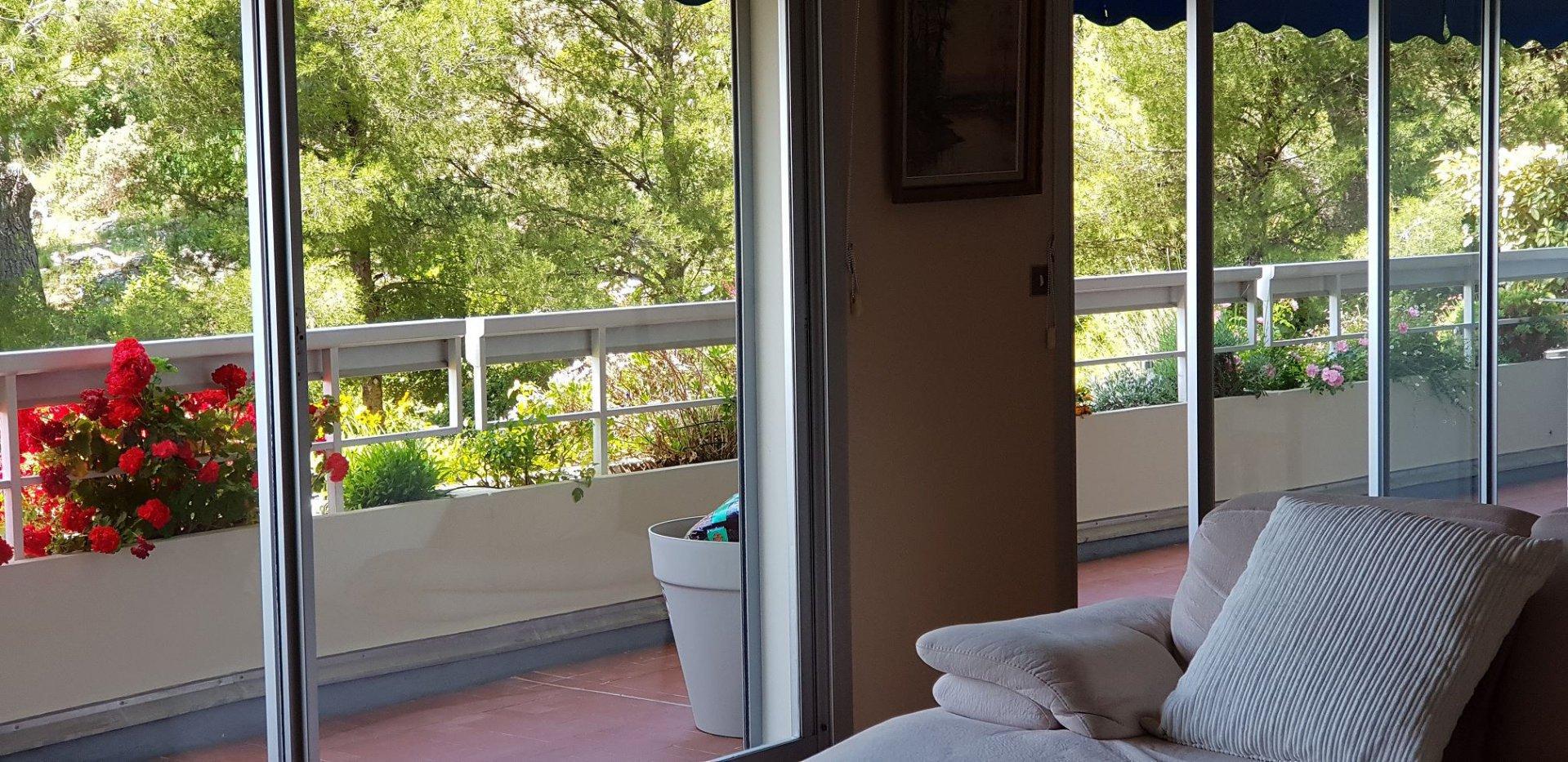T3/4  Vue sur mer avec balcon terrasse cave et box