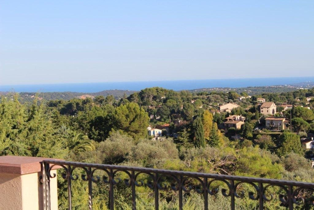 Lovely villa with wonderful views to the sea