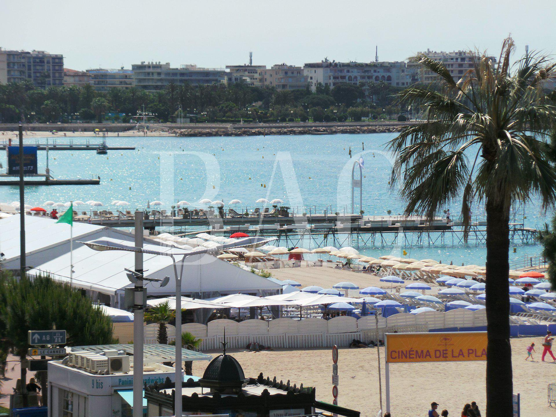 Cannes on the Croisette, a few meters from the Palais des Festivals and with a beautiful sea view