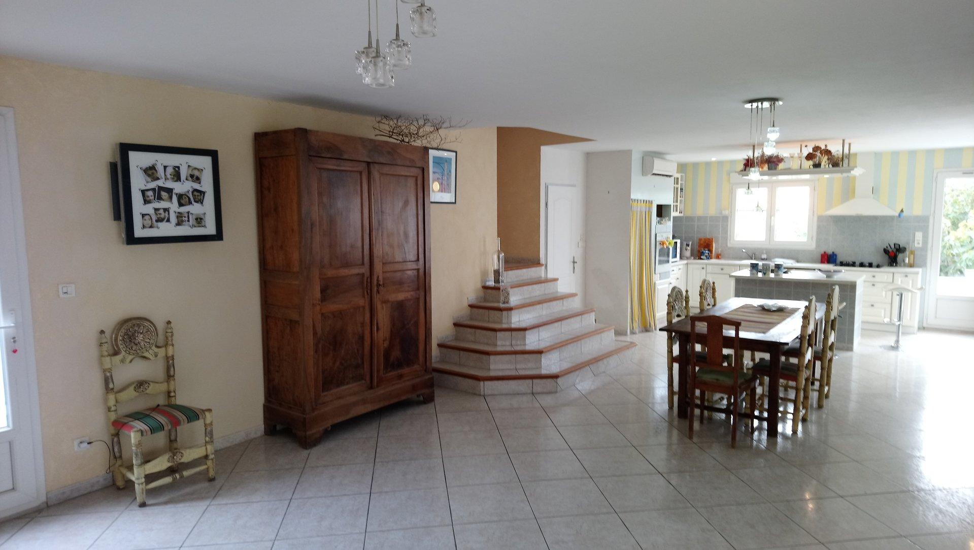 Gruissan , villa T5/6 180m² avec possibilité activité pro