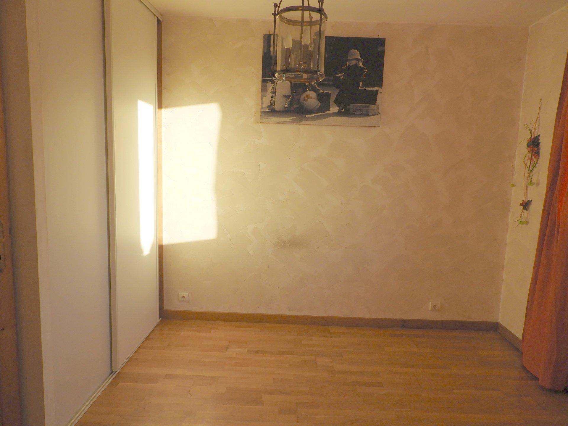 Plain-pied à 5 minutes de CARHAIX + appartement