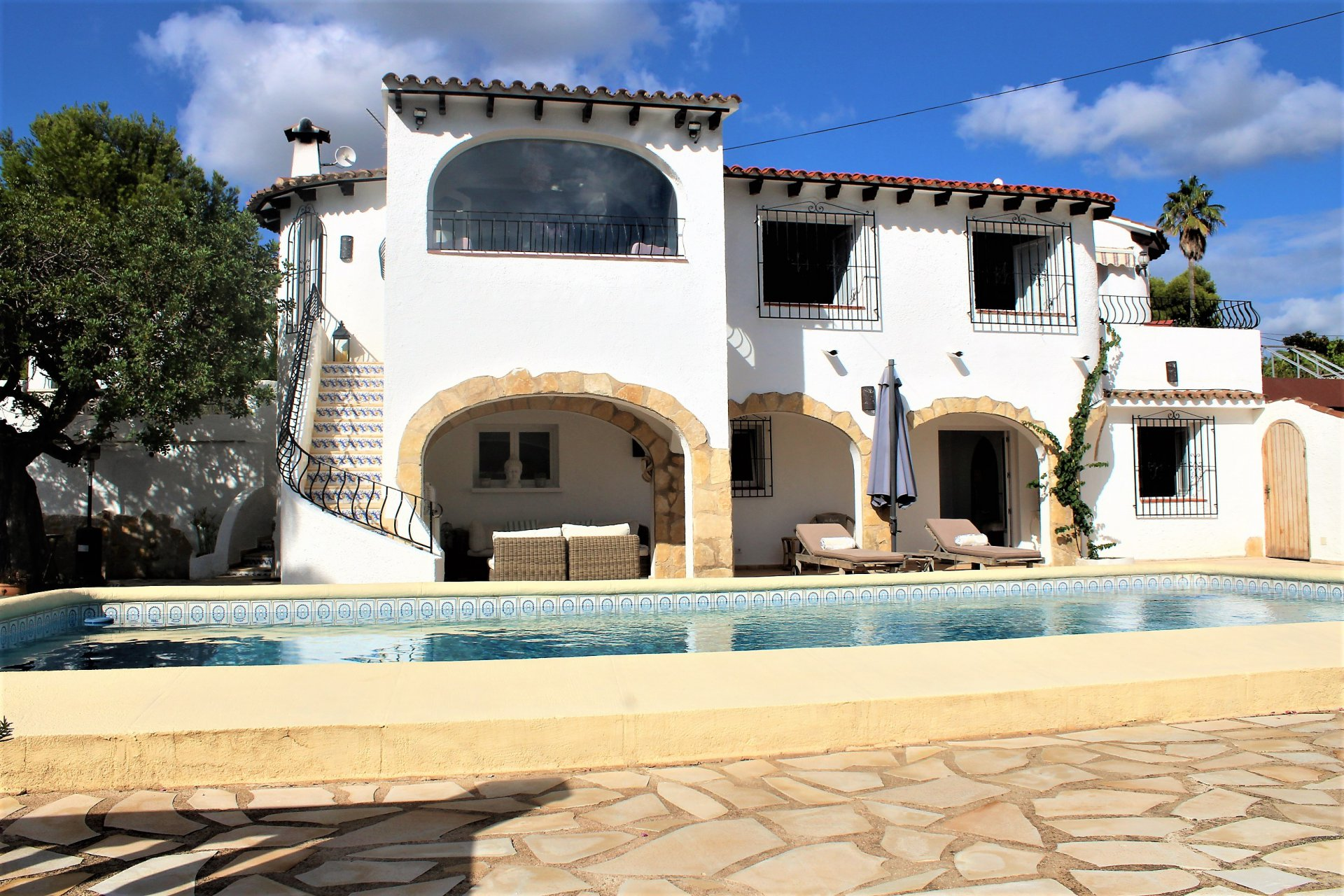 Beautiful renovated villa with panoramic sea and mountain views