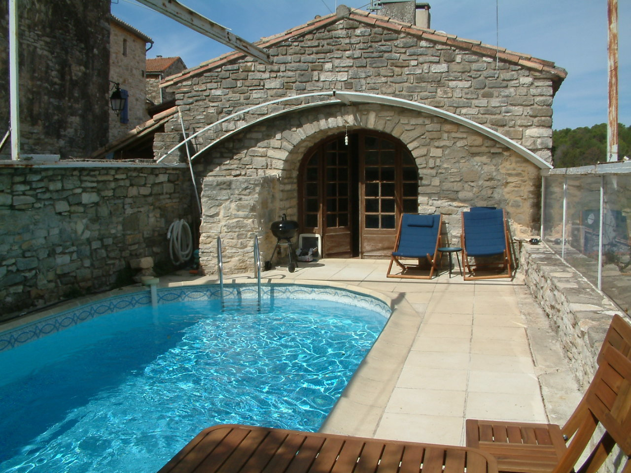 « Village house with pool »