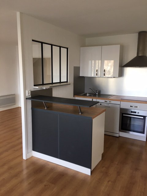 Stainless steel, kitchen island