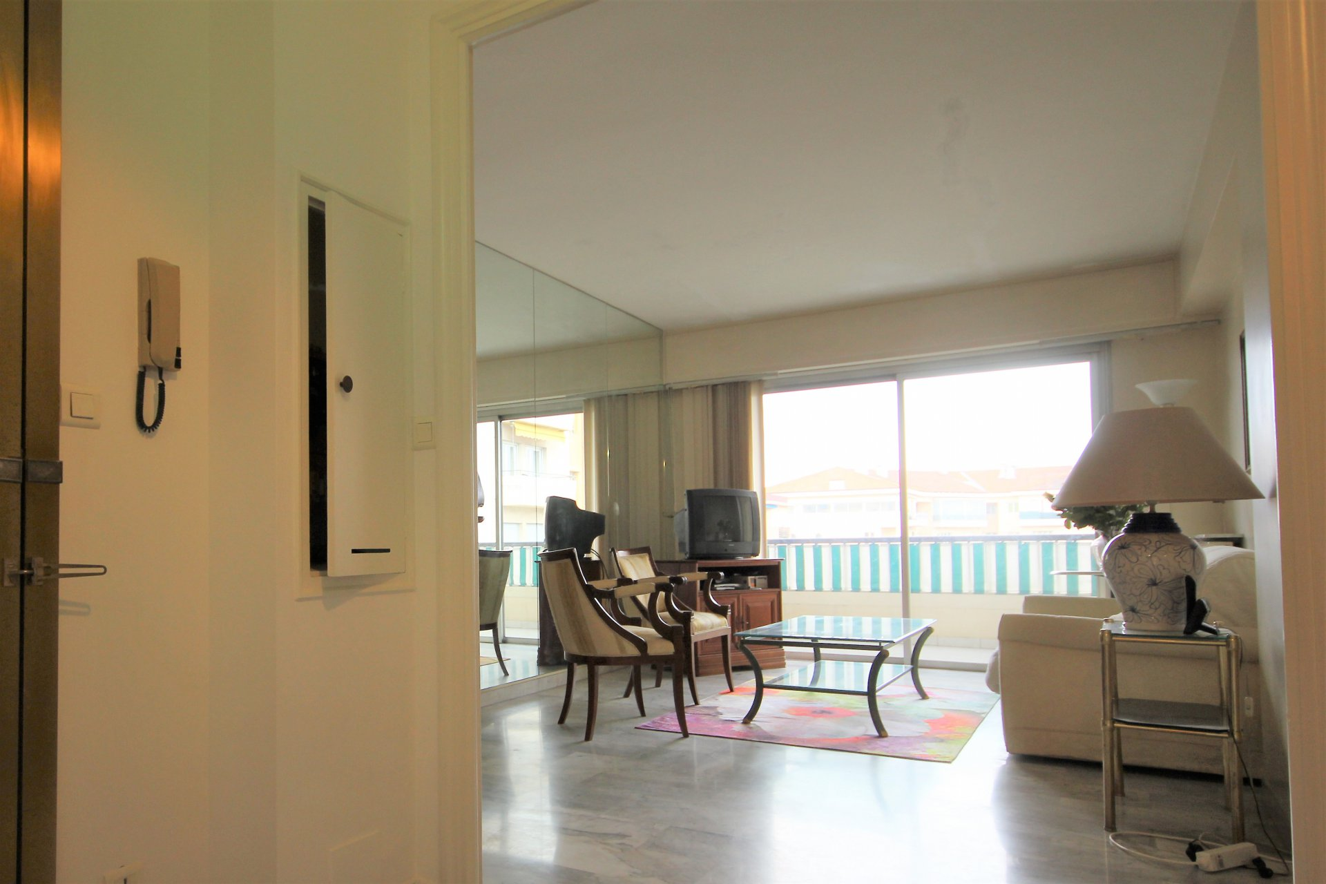 LE CANNET Sale 2 rooms high floor