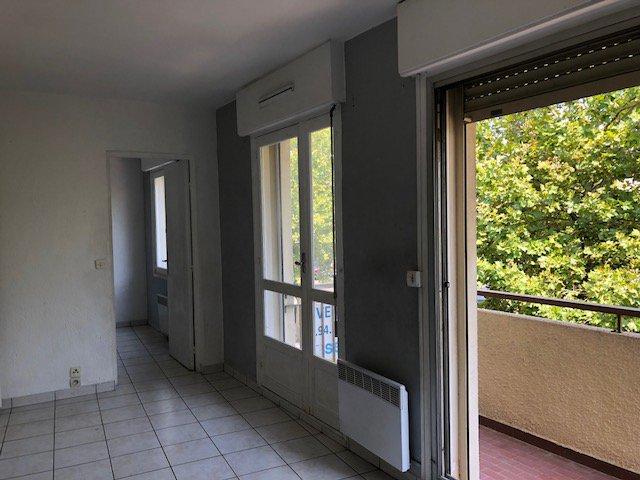 Appartement  2 pièces 41.17 m2 plein centre six fours les plages.