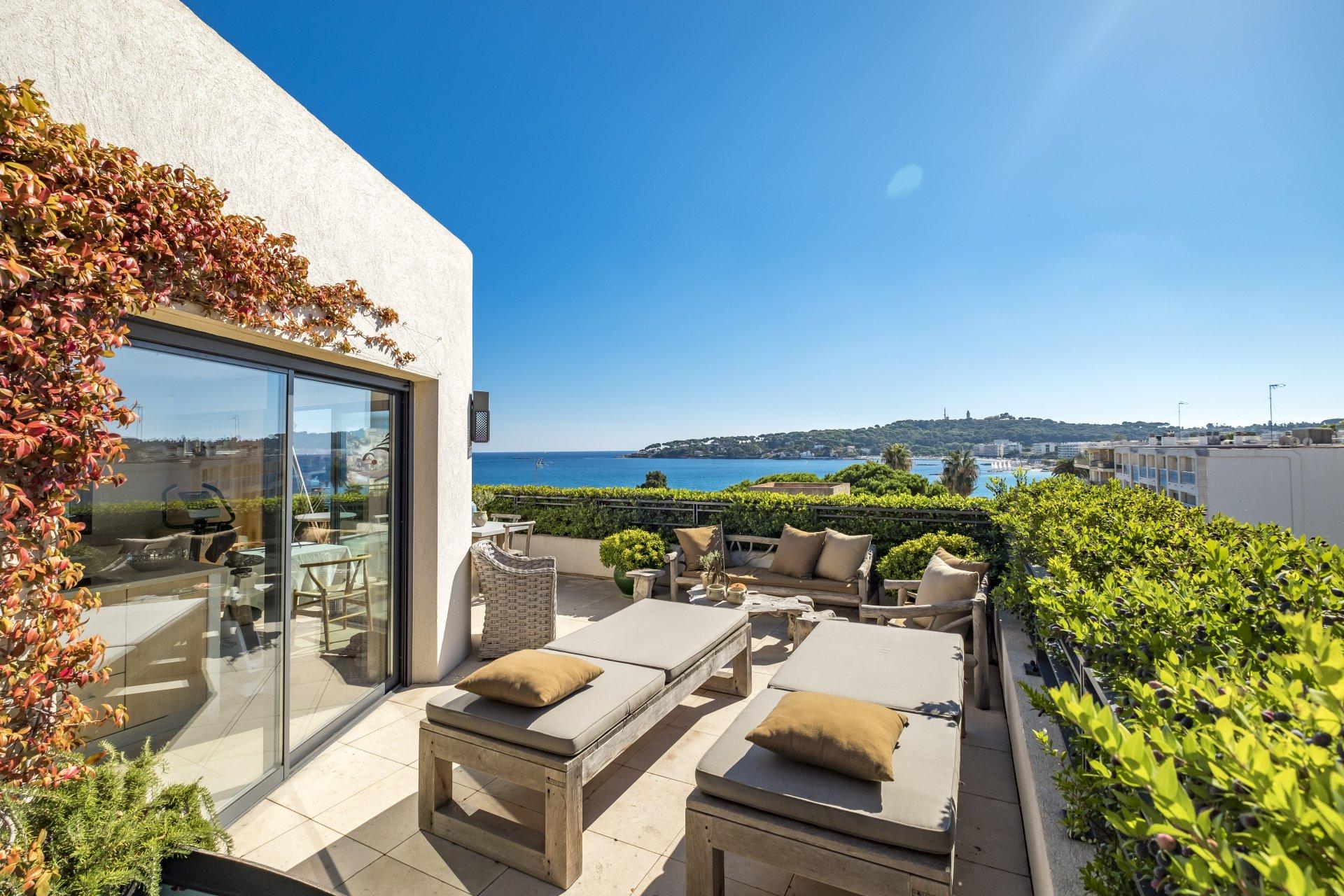 Penthouse Avec Fantastique Vue Sur La Mer Antibes