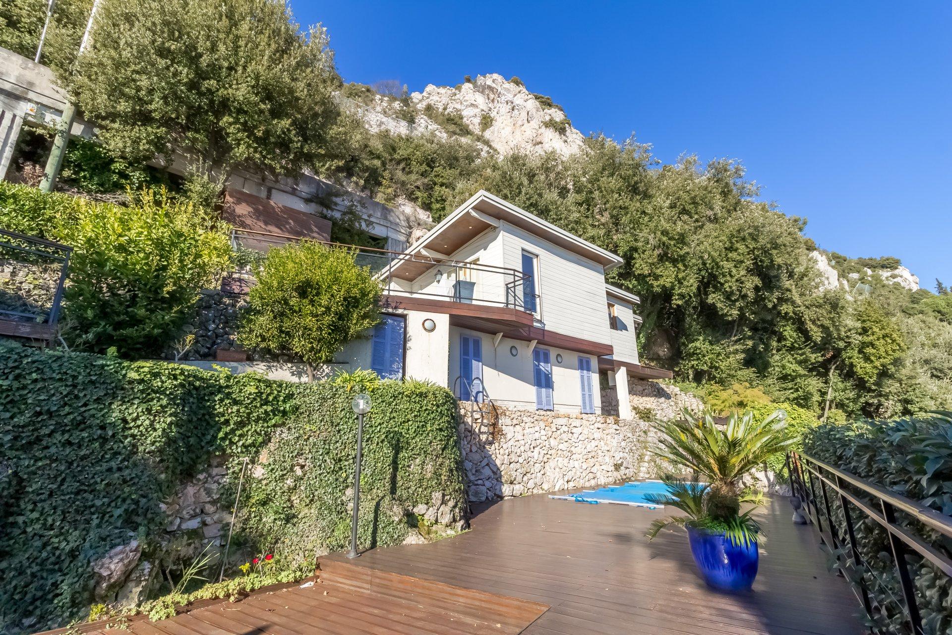 La Turbie, villa de 240 m² avec vue mer et piscine