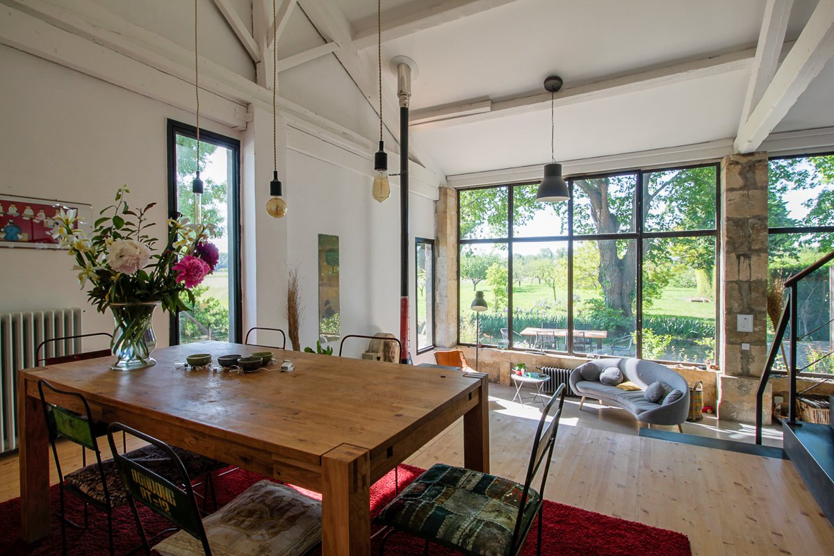 Atypical loft and farmhouse for sale between Arles and Alpilles