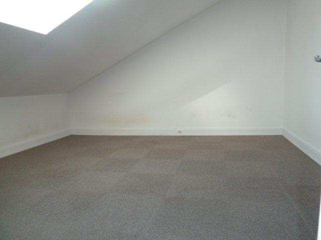Auneau. Appartement 3 pièces.Parking.