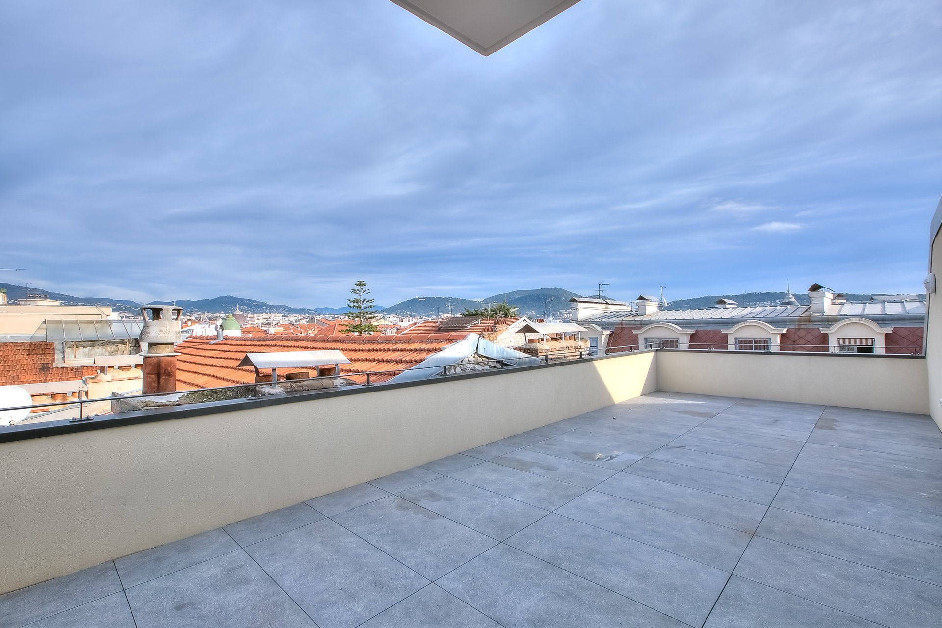 NICE SAINT PIERRE TOP FLOOR APARTMENT FOR SALE