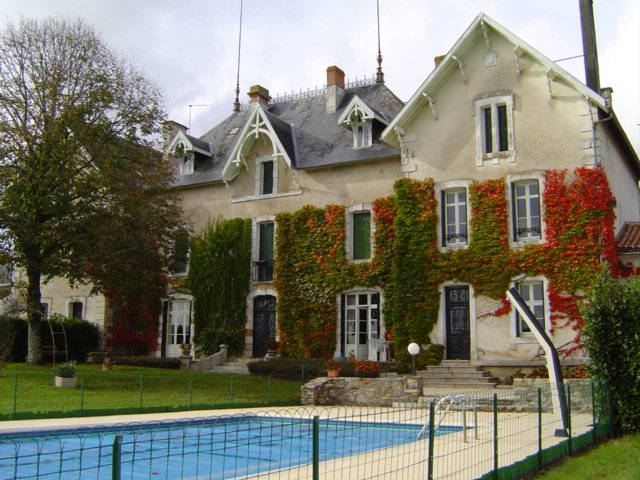Sale House - Fenioux