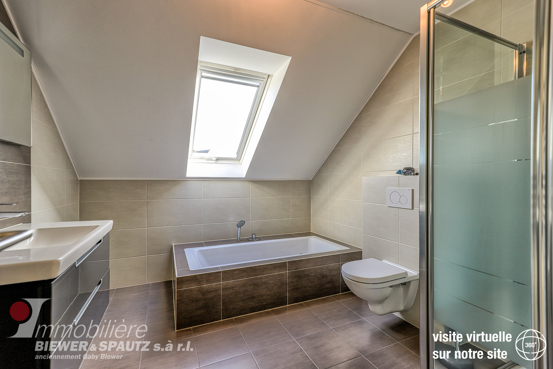 LOUE - appartement avec 2 chambres à coucher à Junglinster