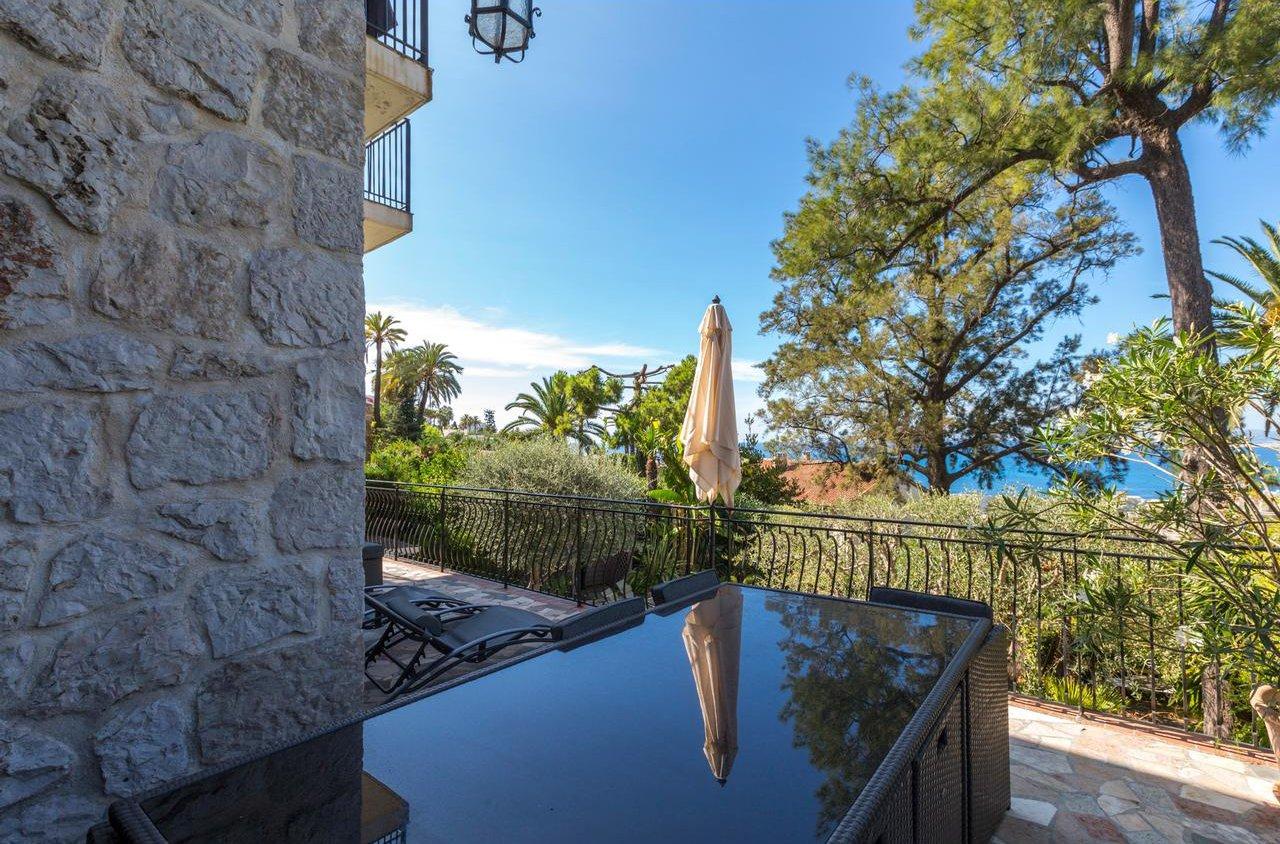 4:a med 96m² terrass och havsutsikt - Nice Mont Boron