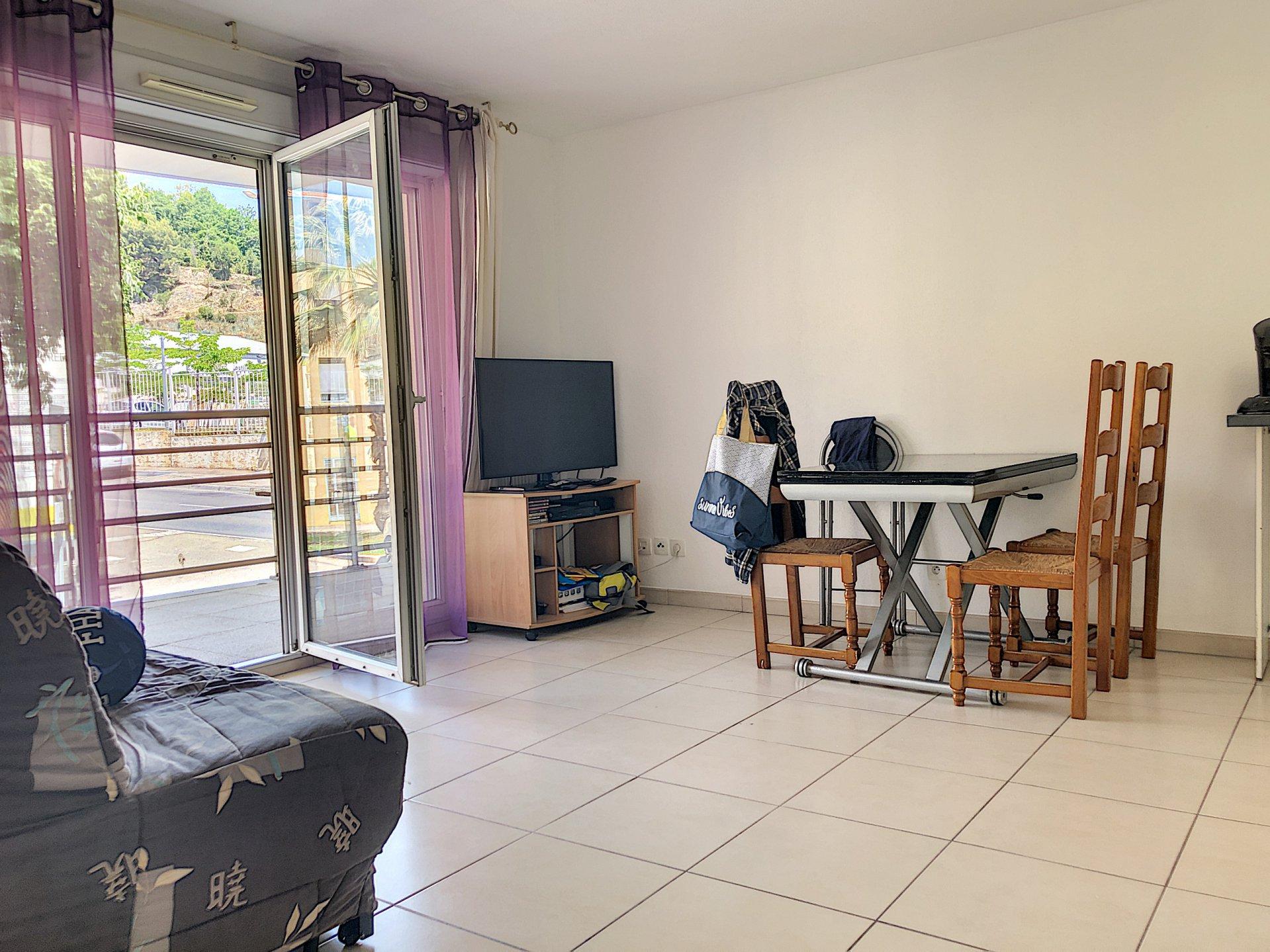 Cagnes-sur-Mer (06800)  - Appartement 3 pièces - Terrasse
