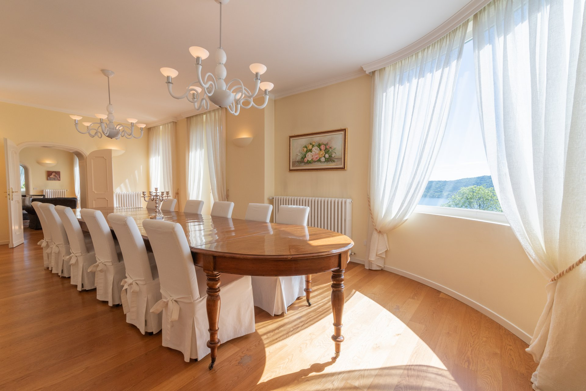 Prestigious period villa for sale in Meina