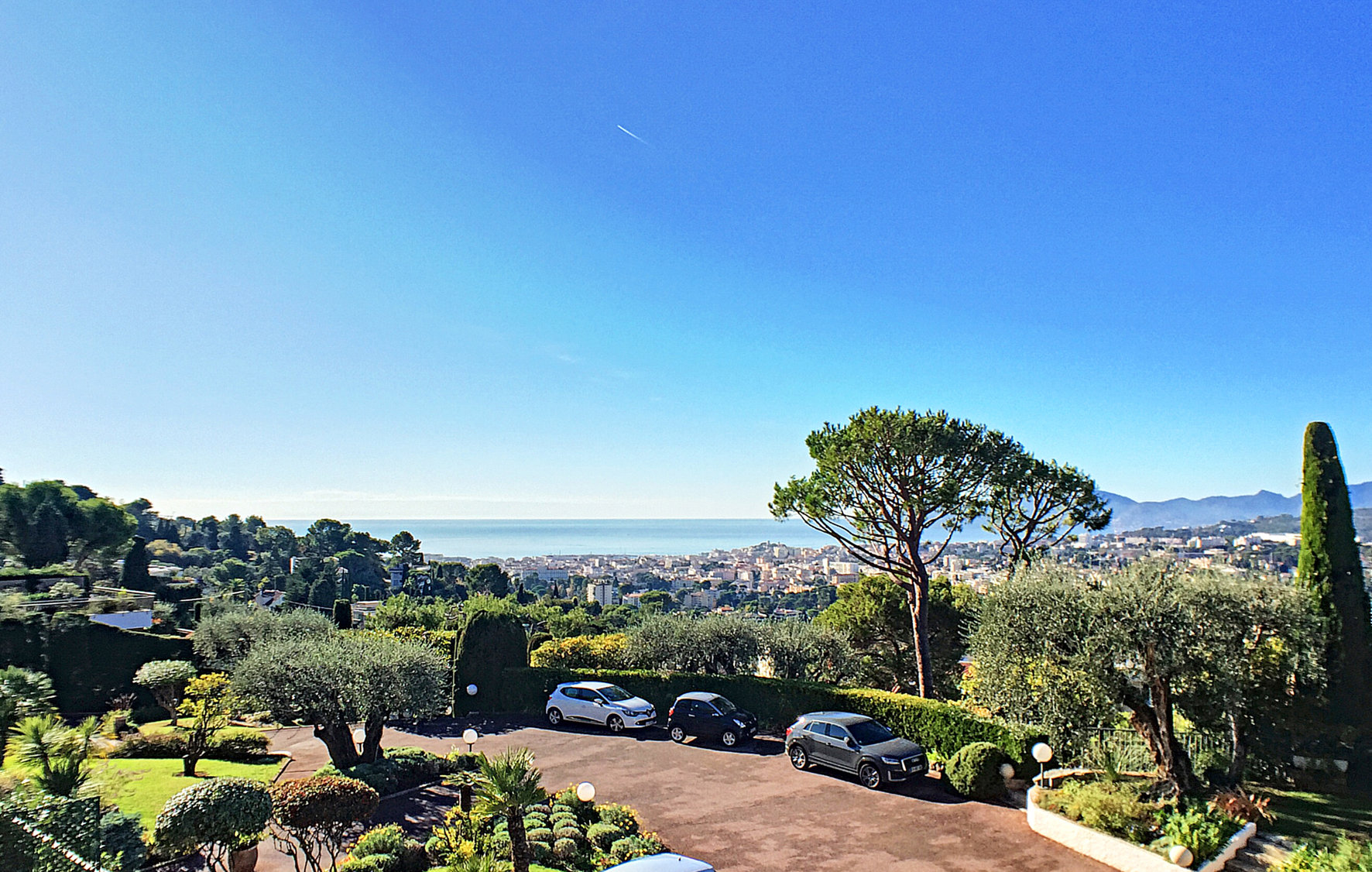 CANNES LE CANNET, IN A VERY RESIDENTIAL AREA, IN A ...
