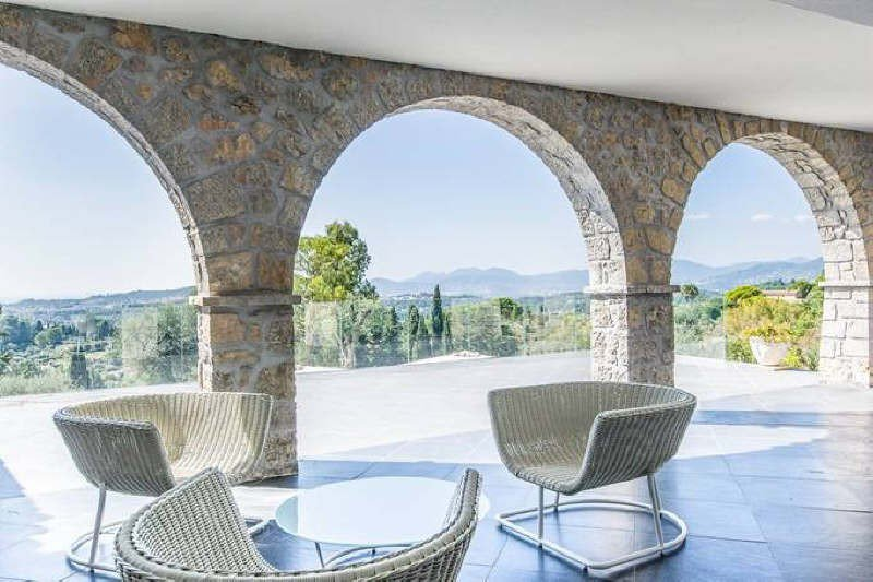 Mougins residential area : Superb property in stone ...