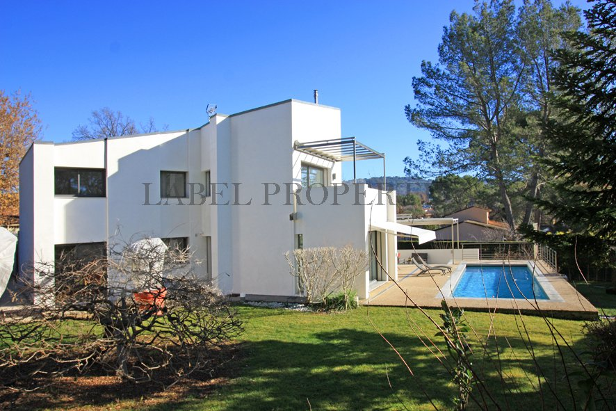 CLOSE MOUGINS: VERY ATTRACTIVE CONTEMPORARY VILLA ...