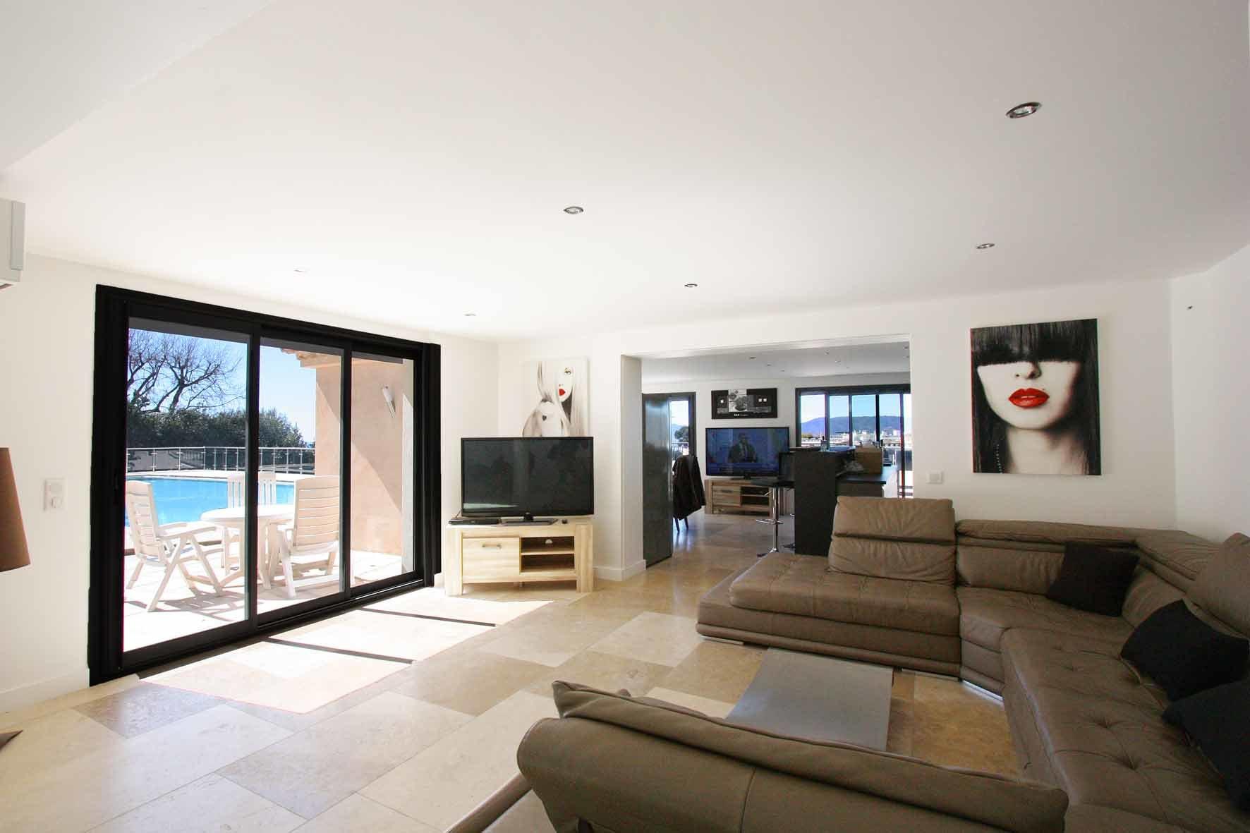 Agréable villa rénovée en 2012 avec vue mer