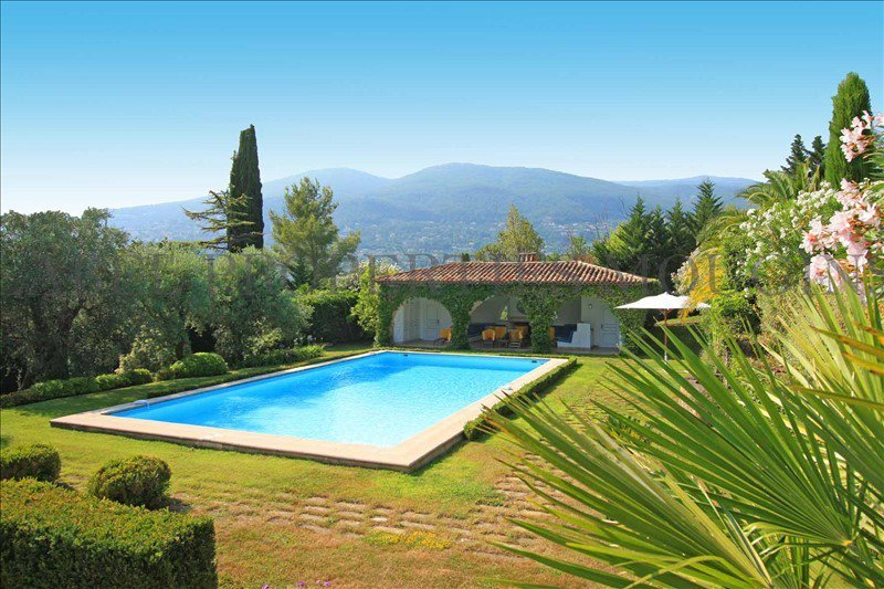 To sell a few minutes away from Cannes : Magnificent ...