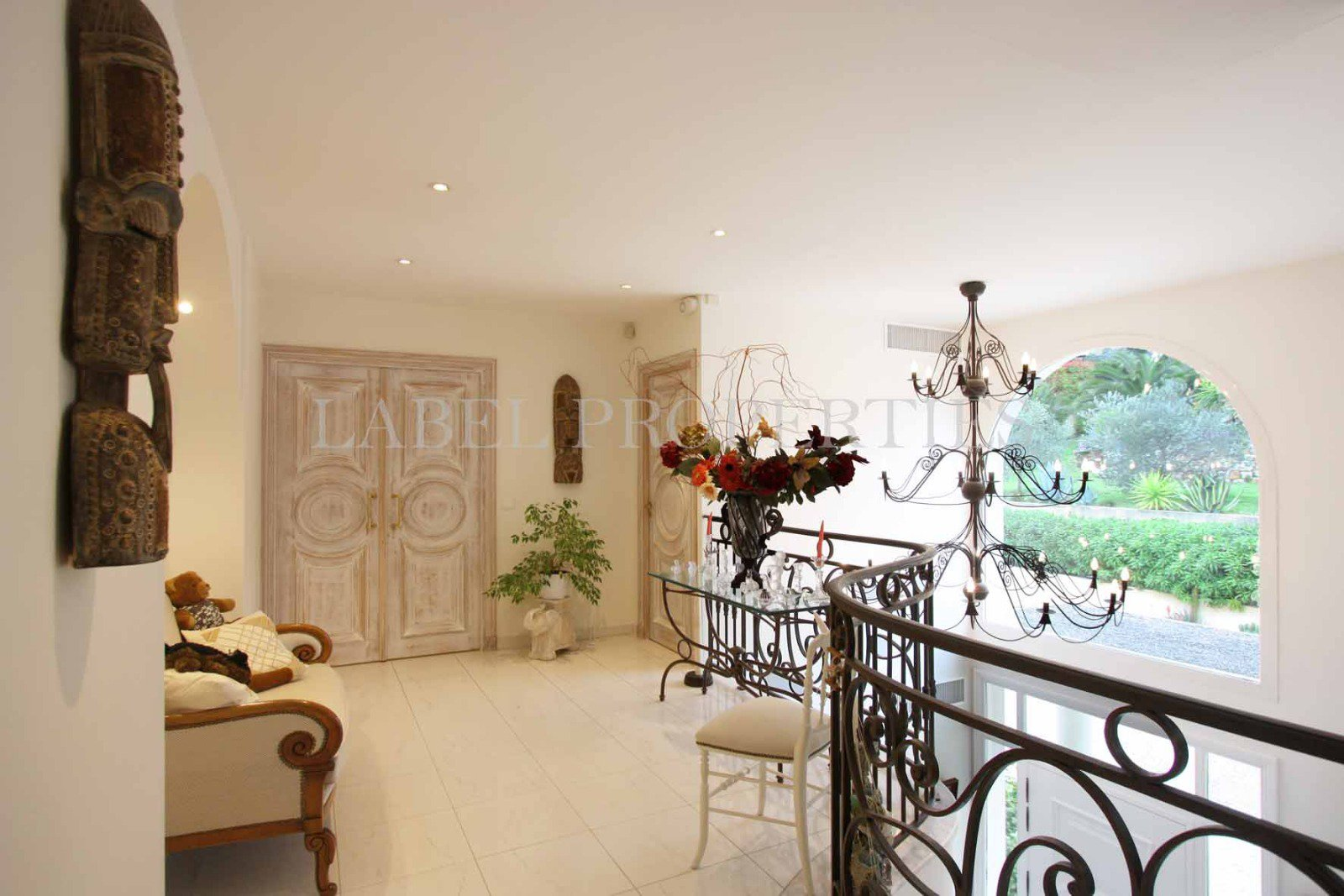 MOUGINS RESIDENTIAL AREA : IN THE HEARTH OF PRESTIGIOUS ...