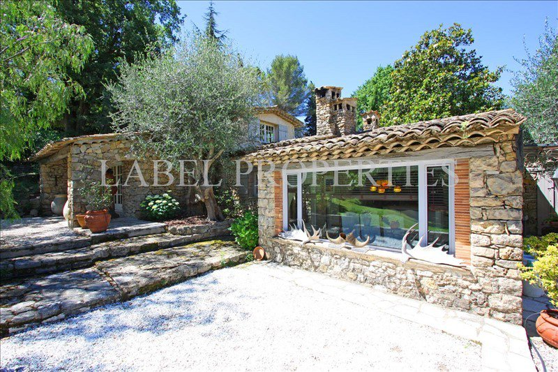 Close to golf and shops, magnificent sheepfold renovated ...