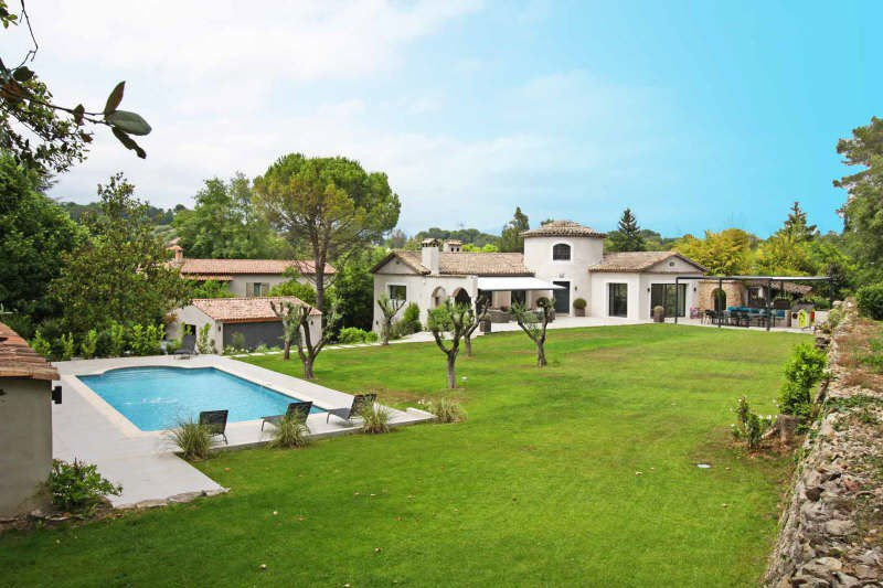 MOUGINS RESIDENTIAL AND CALM AREA : AT THE HEART OF ...