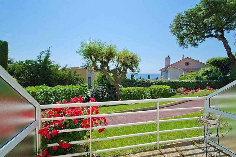CANNES - LUXURY RESIDENCE  WITH PARK, GUARD AND SWIMMING ...