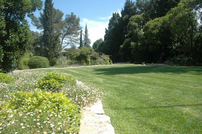 Nearby Mougins'school and golf, magnificent bastide ...