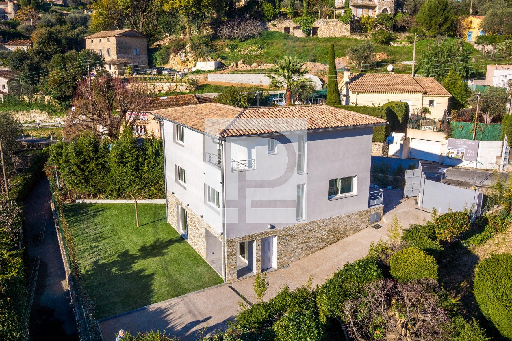 MOUGINS, CLOSE TO SHOPS, RECENT NEW VILLA 170 M2 OFFERING ...