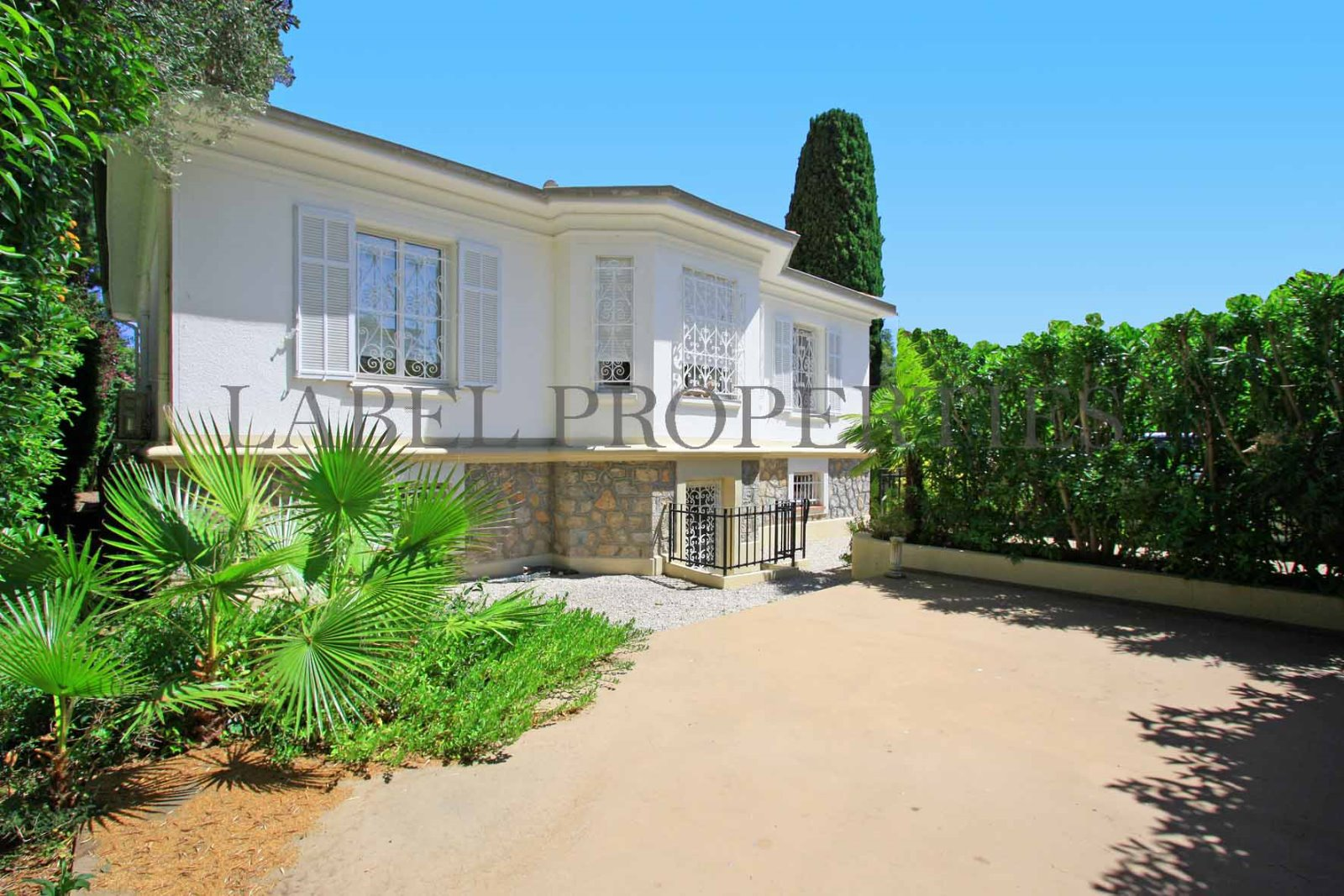 Villa close to Cannes