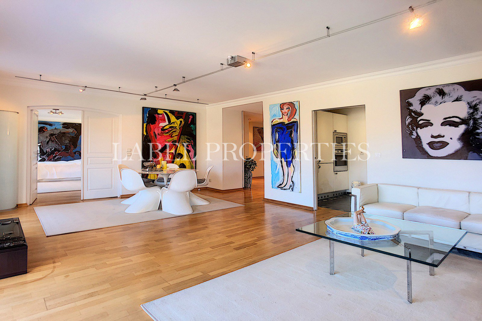 Top floor - Ideally located in Cannes