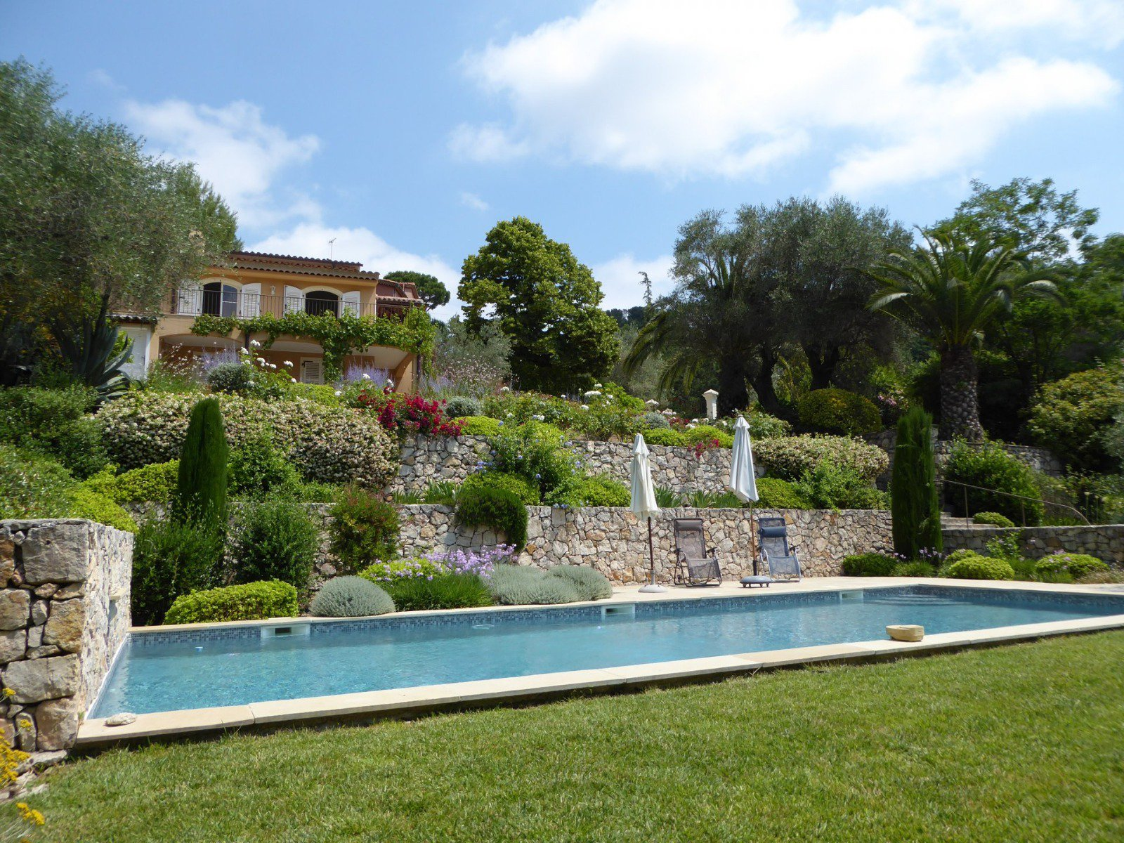 5 ROOMS VILLA IN MOUGINS